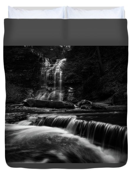 Plotter Kill Falls Duvet Cover
