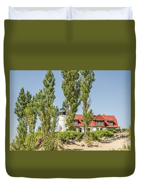 Duvet Cover featuring the photograph Point Betsie Lighthouse by Sue Smith