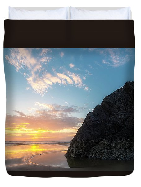 Duvet Cover featuring the photograph Point Meriwether by Ryan Manuel