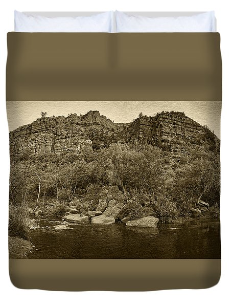 Pond At Red Rock Crossing Tint Duvet Cover