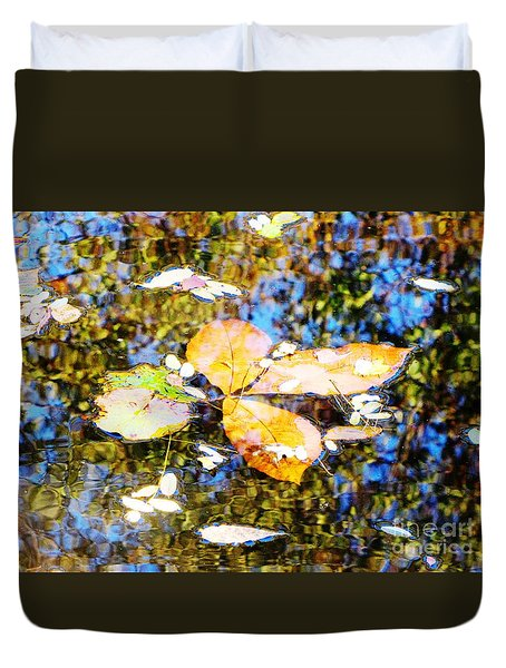 Duvet Cover featuring the photograph Pondering by Melissa Stoudt