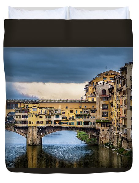 Duvet Cover featuring the photograph Ponte Vecchio E Gabbiani by Sonny Marcyan