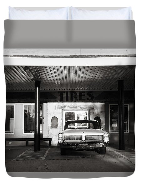 Duvet Cover featuring the photograph Pontiac At The Tire Shop by Toni Hopper