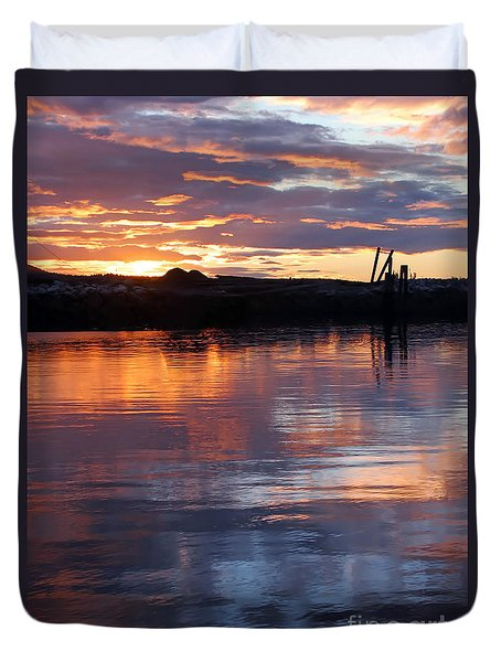Duvet Cover featuring the photograph Port Mcneill Sunset by Myrna Bradshaw