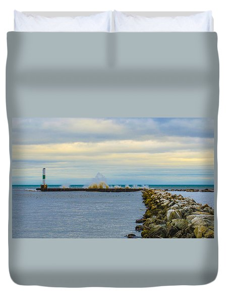 Duvet Cover featuring the photograph Port Washington Light 1 by Deborah Smolinske