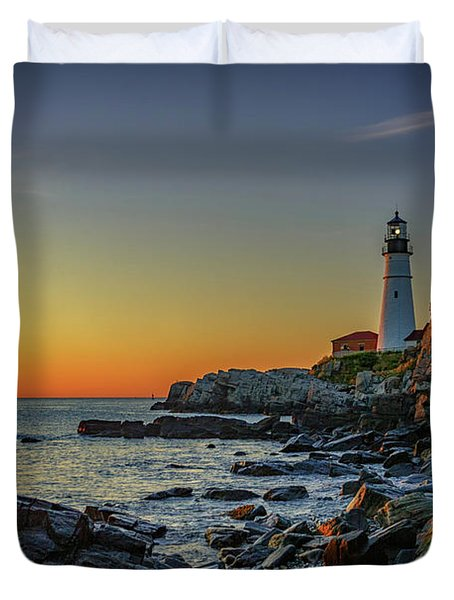 Portland Head Light At Dawn Duvet Cover