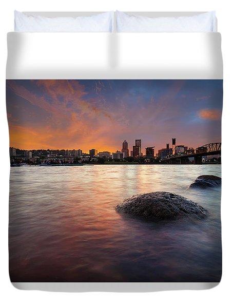 Portland Skyline Along Willamette River At Sunset Duvet Cover