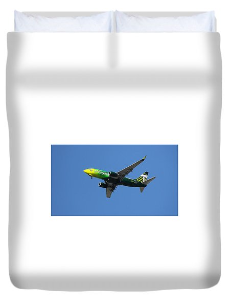 Duvet Cover featuring the photograph Portland Timbers - Alaska Airlines N607as by Aaron Berg
