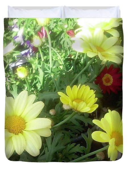 Pretty! 💛 #flowers #nature #yellow Duvet Cover
