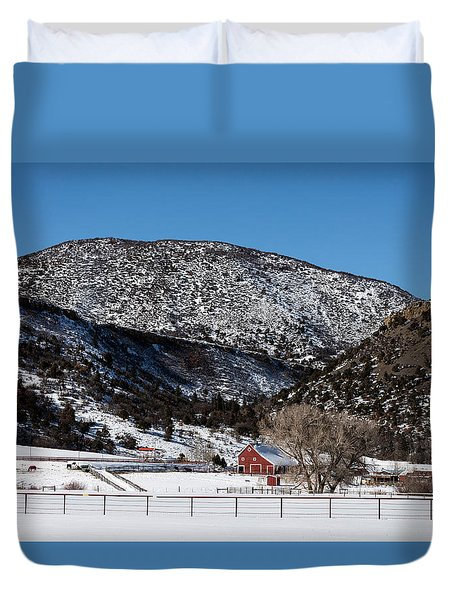 Pretty Red Barns From The Highway Between Aspen And Snowmass Duvet Cover by Carol M Highsmith