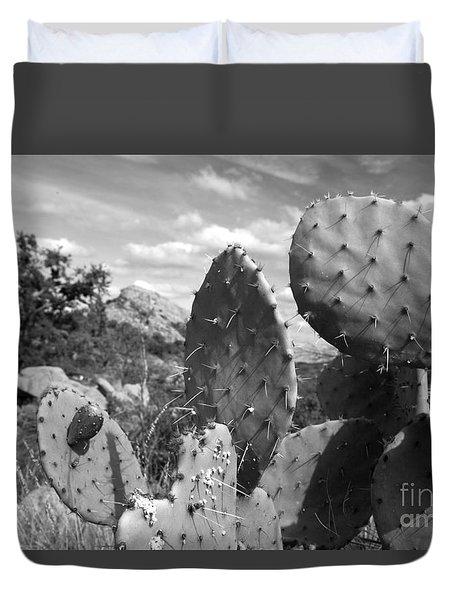 Prickly Pear At Enchanted Rock Duvet Cover