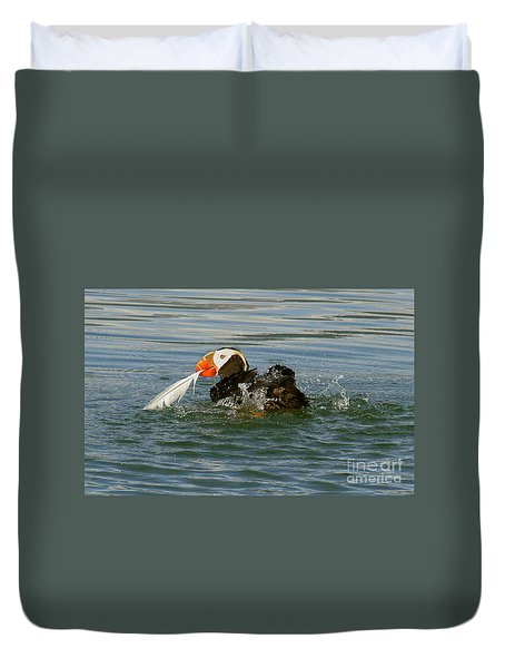 Duvet Cover featuring the photograph Puffin With A Prize by Myrna Bradshaw