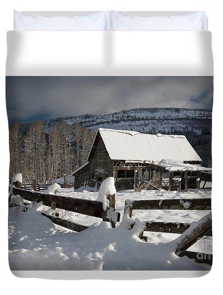 Purcell Mtn Barn Duvet Cover