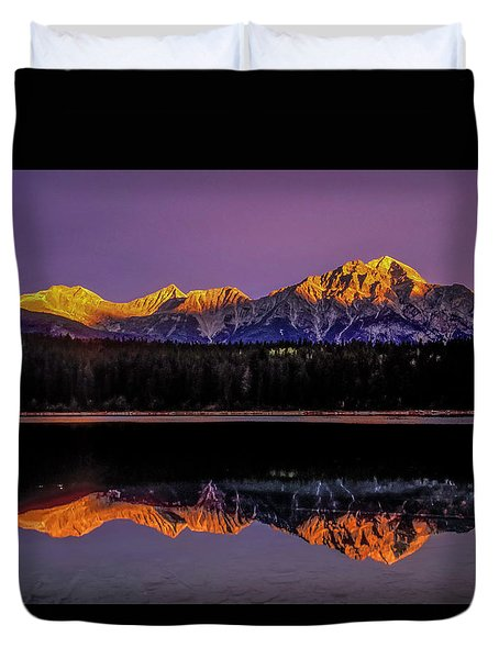 Duvet Cover featuring the photograph Pyramid Mountain 2006 01 by Jim Dollar