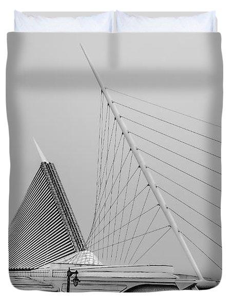 Quadracci Pavilion - M A M - B - W Duvet Cover