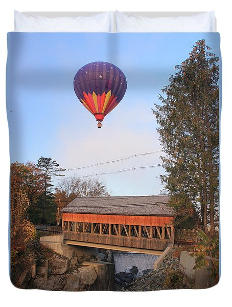 Quechee Vermont Covered Bridge And Hot Air Balloon Duvet Cover