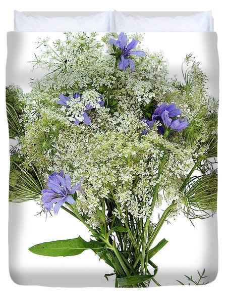 Queen Anne's Lace With Purple Flowers Duvet Cover