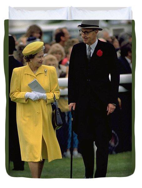 Queen Elizabeth Inspects The Horses Duvet Cover