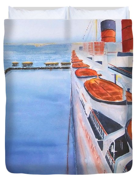 Queen Mary From The Bridge Duvet Cover by Debbie Lewis