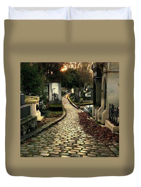 Pere Lachais Cemetery Road Duvet Cover