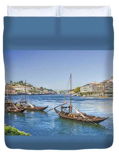 Duvet Cover featuring the photograph Rabelos On The Douro by Brian Tarr