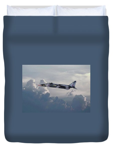 Duvet Cover featuring the photograph Raf Jaguar Gr1 by Pat Speirs