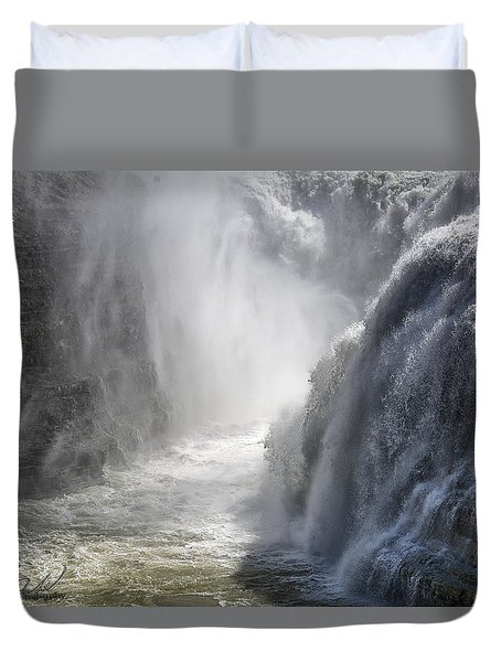 Raging Beauty Duvet Cover