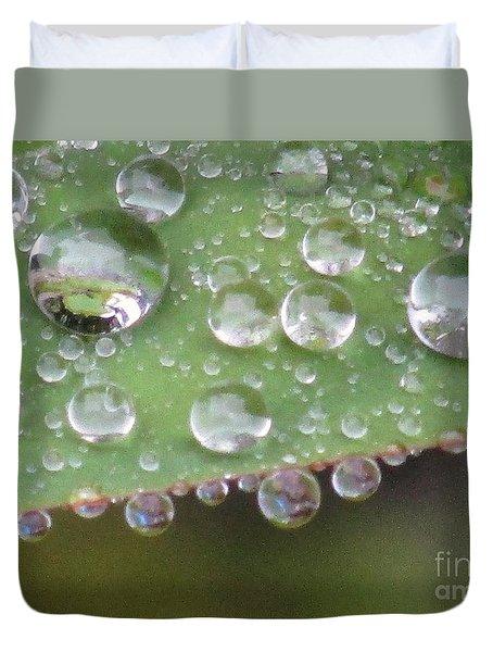 Raindrops On Leaf. Duvet Cover by Kim Tran