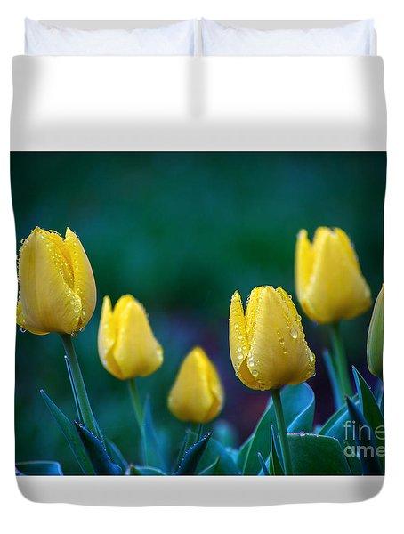 raindrops on Tulips Duvet Cover