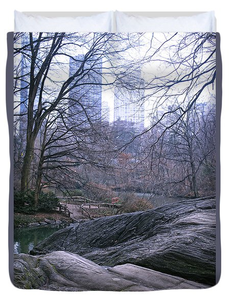 Rainy Day In Central Park Duvet Cover by Sandy Moulder