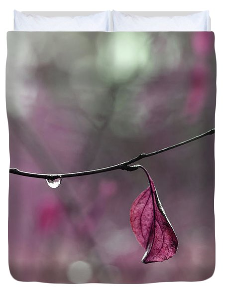 Raspberry Pink Leaf And Raindrops Duvet Cover