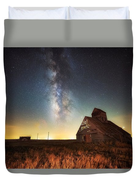 Duvet Cover featuring the photograph Rattlesnake Silo Barn by Russell Pugh