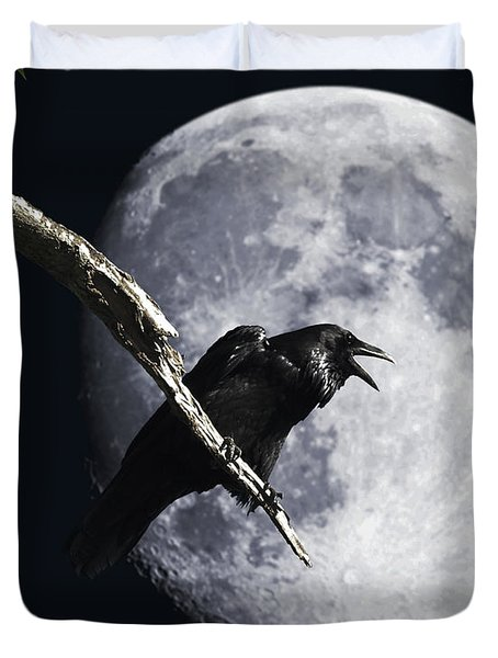 Raven Barking At The Moon Duvet Cover