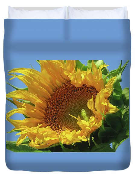 Reach For The Sky Sunflower - Floral Art From The Garden - Floral Macro Duvet Cover