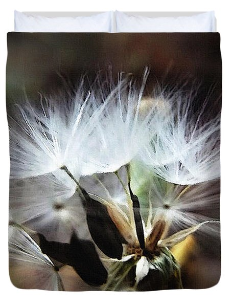 Ready To Fly... Salsify Seeds Duvet Cover