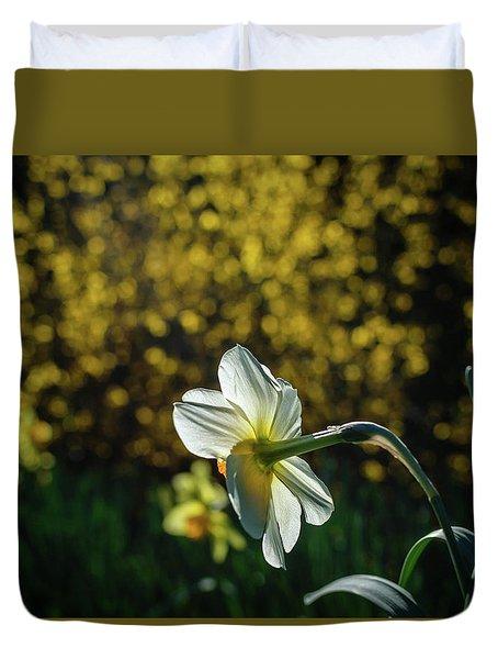 Rear View Daffodil Duvet Cover