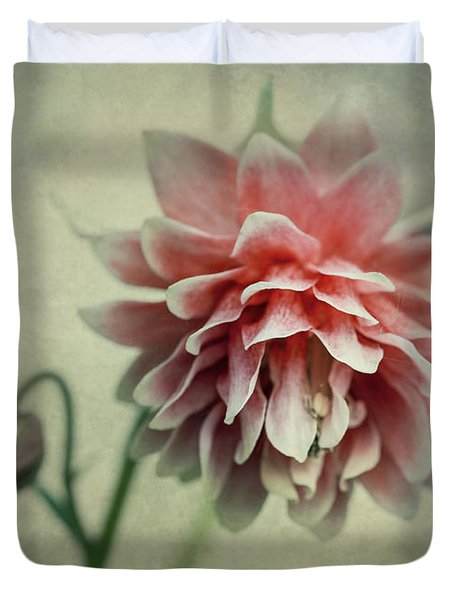 Red And Pink Columbine Duvet Cover