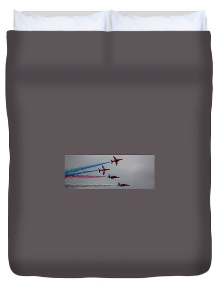 Duvet Cover featuring the photograph Red Arrows Break Off - Teesside Airshow 2016 by Scott Lyons