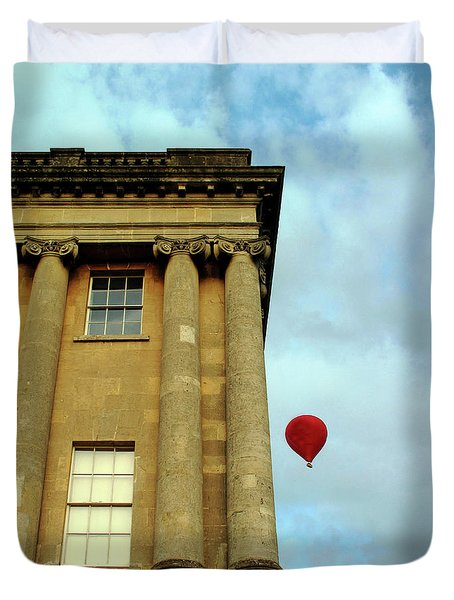 Red Balloon Over Royal Crescent, Bath Uk Duvet Cover
