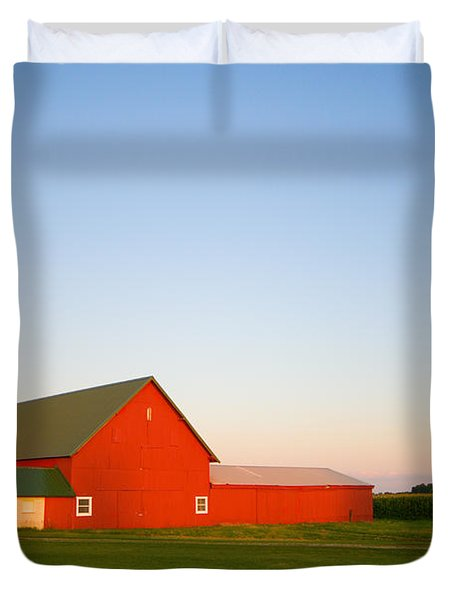 Red Barn And The Moon Duvet Cover