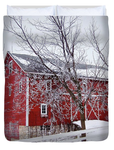 Red Barn Circa 1876 Duvet Cover by Sue Stefanowicz