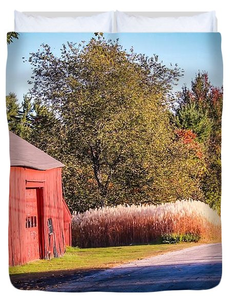 Red Barn In The Country Duvet Cover