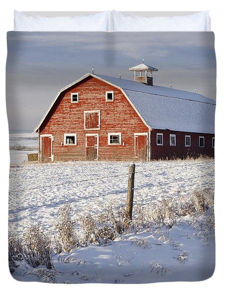 Red Barn In Winter Coat Duvet Cover