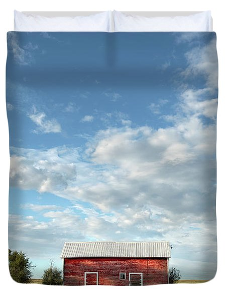 Red Barn On The Prairie Duvet Cover
