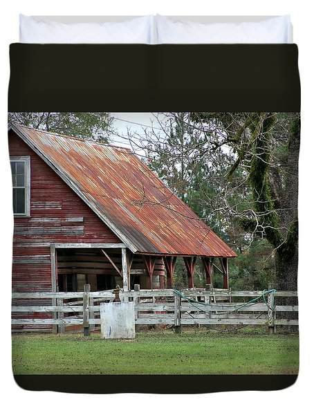 Red Barn With A Rin Roof Duvet Cover by Lynn Jordan