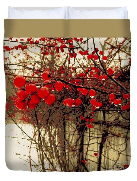 Red Berries In Winter Duvet Cover by Susan Lafleur