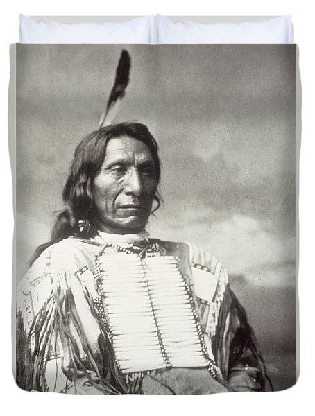 Red Cloud Chief Duvet Cover