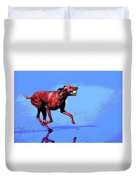 Red Dog Running Duvet Cover