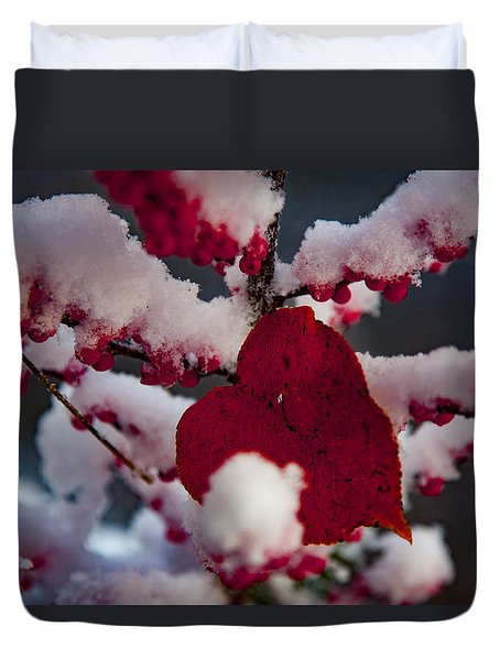 Red Fall Leaf On Snowy Red Berries Duvet Cover