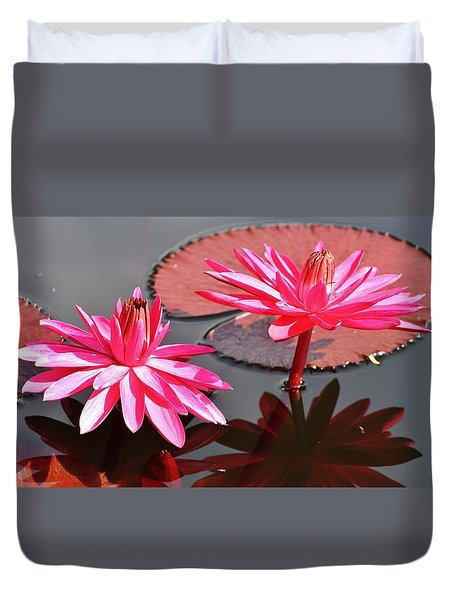 Red Flare Water Lily Duvet Cover